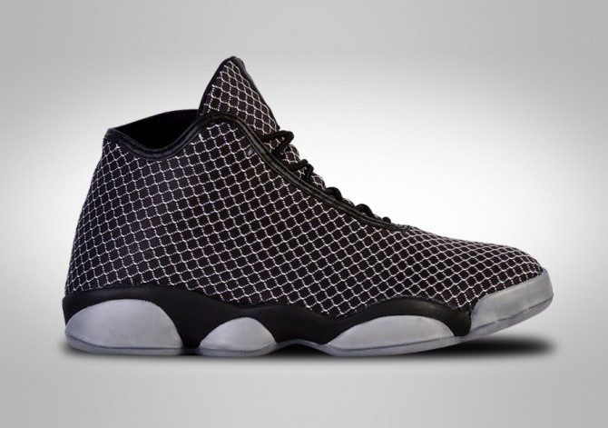 NIKE AIR JORDAN HORIZON OREO