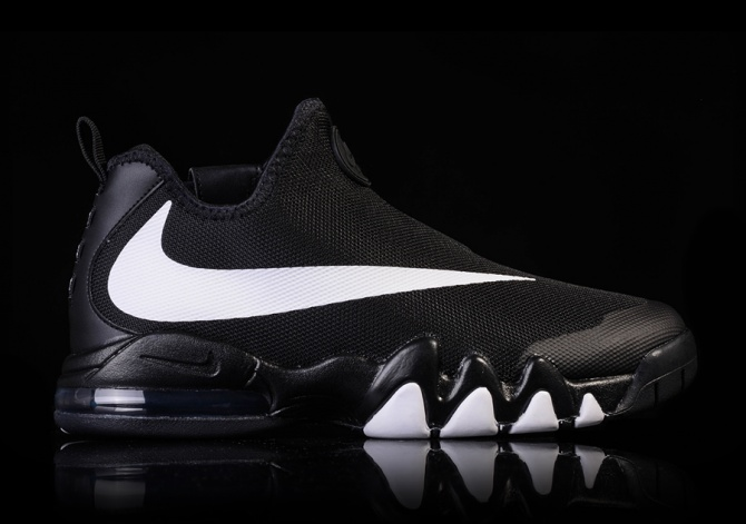 NIKE BIG SWOOSH BLACK