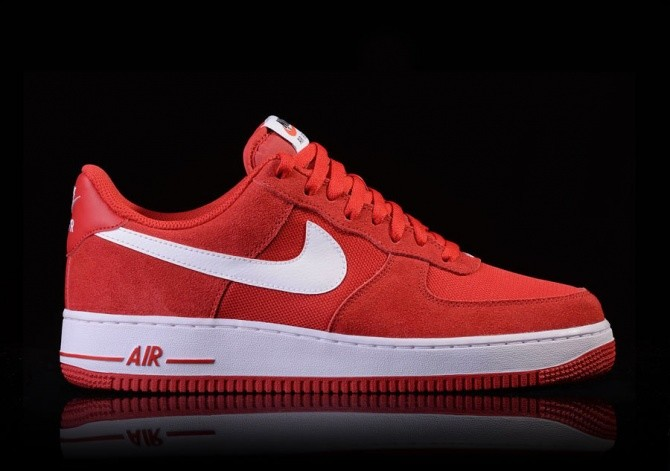 NIKE AIR FORCE 1 GAME RED