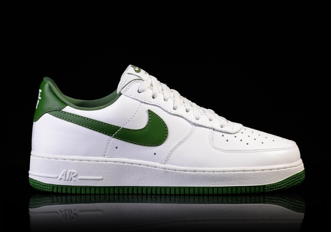 NIKE AIR FORCE 1 LOW RETRO FOREST GREEN