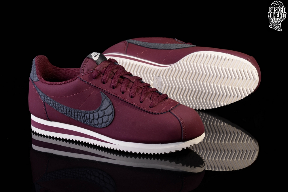 sale retailer 332df 65eb3 ... discount nike classic cortez leather se night maroon sail a0f4c b95cf