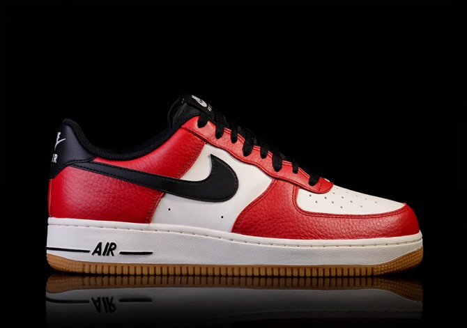 NIKE AIR FORCE 1 GYM RED