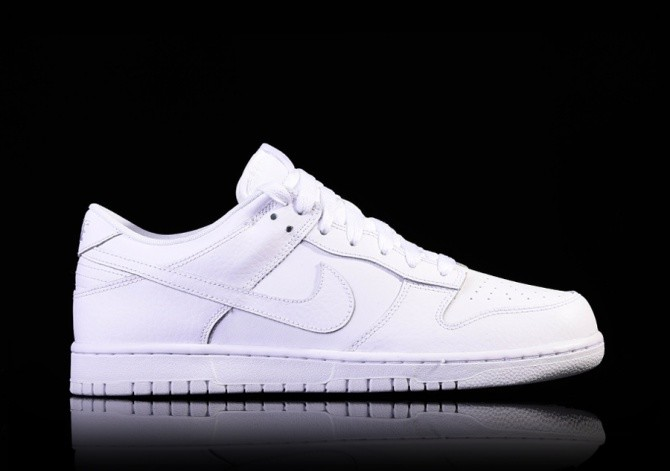 NIKE DUNK LOW WHITE