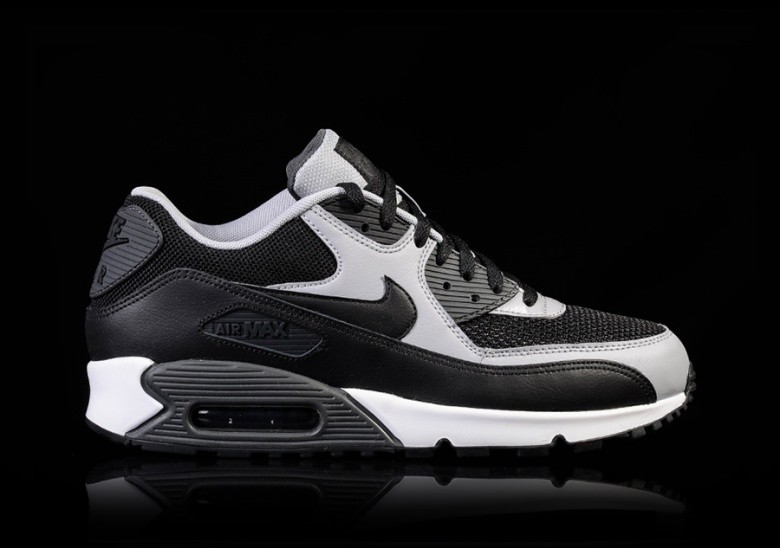 Nike Air Max 90 Essential Black Wolf Grey White Mens Size 8.5 537384 053