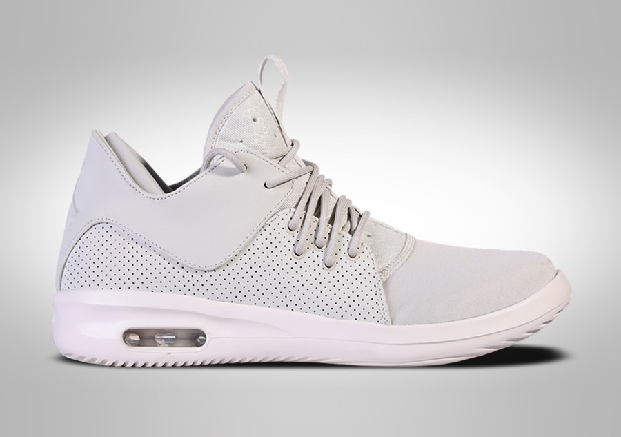 398df53923cf NIKE AIR JORDAN FIRST CLASS LIGHT BONE price €82.50