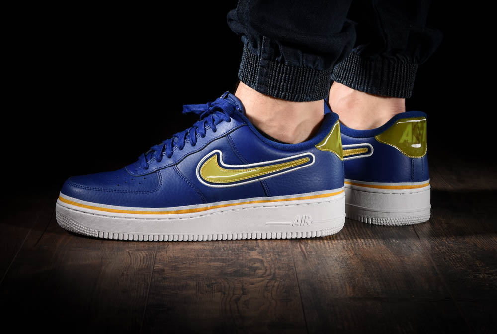 NIKE AIR FORCE 1 '07 LV8 NBA SPORT PACK für $125,00