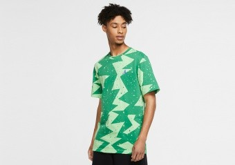 NIKE AIR JORDAN PRINTED POOLSIDE CREW TEE GREEN STRIKE
